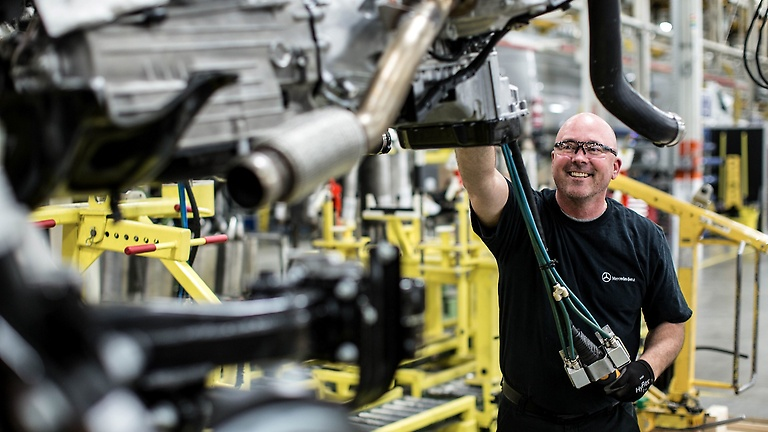 Mercedes sprinter factory