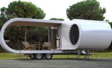 Romotow expanding caravan trailer