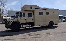 Showhauler custom 4x4 RV motorhome truck